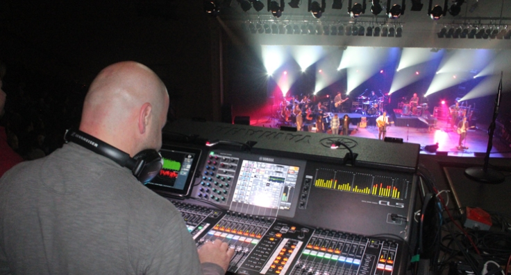 20130205top_christian_artist_foh_engineer_relies_on_new_yamaha_cl5_digital_console